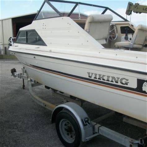 viking cabin cruiser power boat v6 engine 1800cr 1981 for