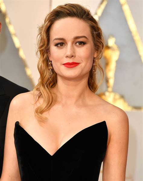 brie larson made casey face presenting to affleck at the brie larson made casey face presenting to affleck at the
