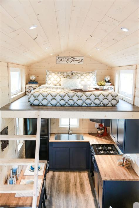 tiny house bed ideas 25 best tiny houses ideas on pinterest tiny homes mini houses and tiny house design
