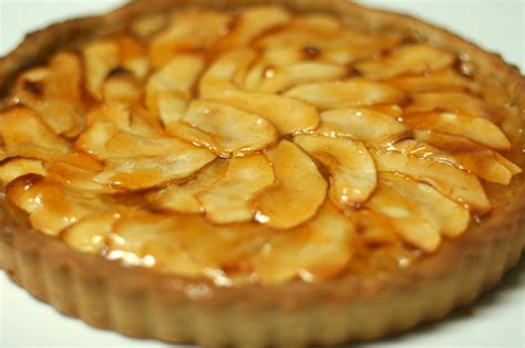 Apple Tart | v e g a n d a d french apple tart