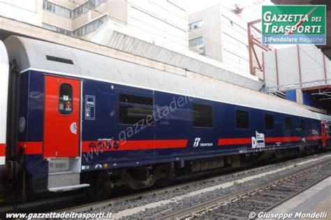 Carrozza Intercity Carrozza Deluxe Intercity Per I Collegamenti