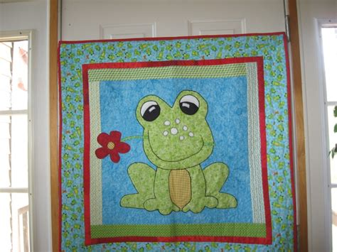 frog quilt by quot sandypants quot of the quiltingboard frog
