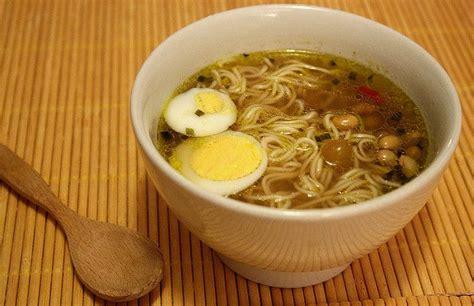 cucina giapponese ricette facili ricetta ramen con verdure piccanti ricette di buttalapasta