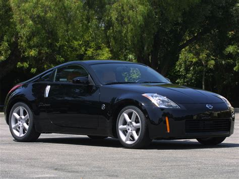 black nissan 350z nissan 350z super black 1024x768 wallpaper