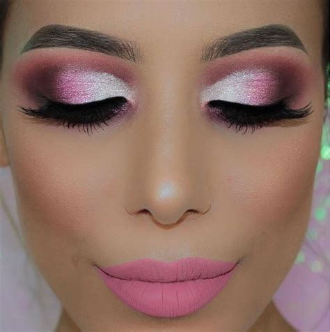 how to make up for a photo 76 years old maquillage barbie tuto