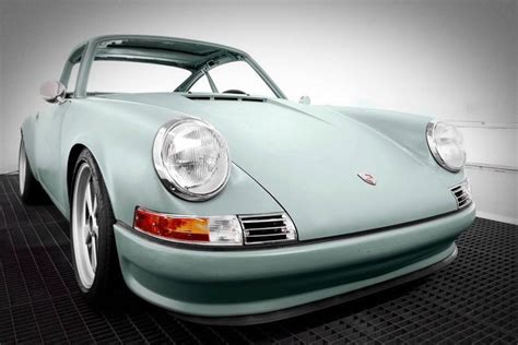 electric porsche 911 voitures extravert converts porsche 911s into electric