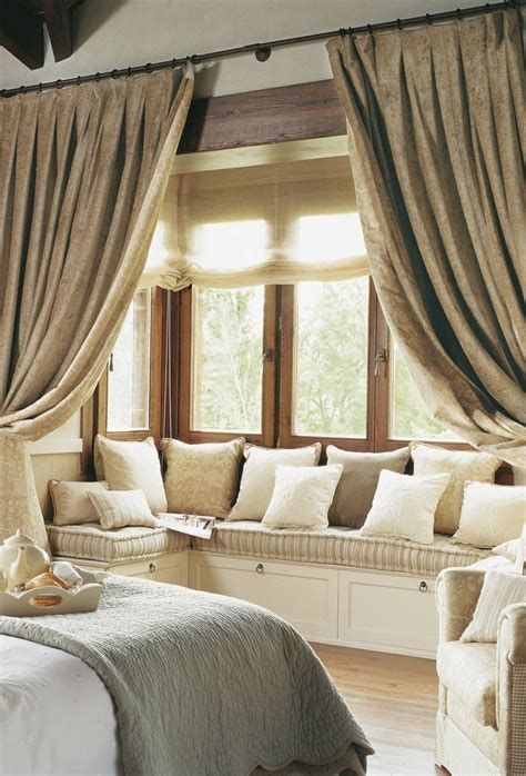 bedroom bay window curtains 25 best ideas about bay window curtains on pinterest