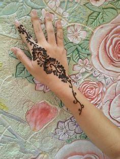 amazing black ink henna tattoo on left hand henna tattoos page 80
