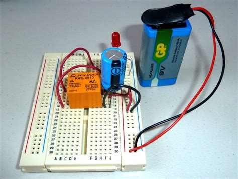 how to make a circuit board with light bulb blinking led circuit with schematics and explanation