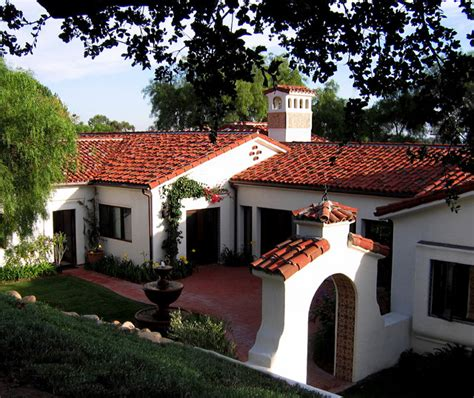 santa barbara style homes santa barbara style spanish home courtyard