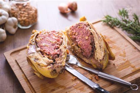 cucinare cappone ricetta cappone ripieno la ricetta di giallozafferano