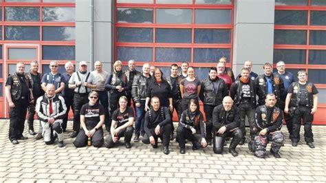 Motorrad Fahren Harz by 187 09 06 2017 Feuerwehrmitglieder Fahren Auf Dem Motorrad