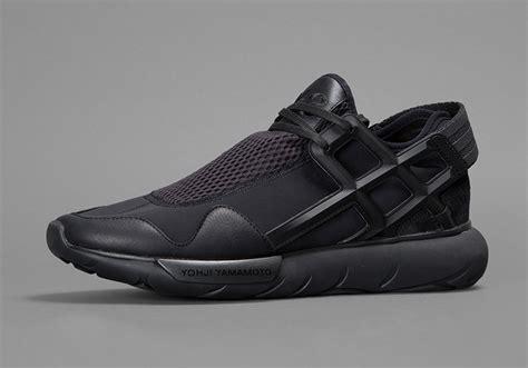 Nikea Airmex Y3 adidas y 3 qasa quot blackout quot sneakernews