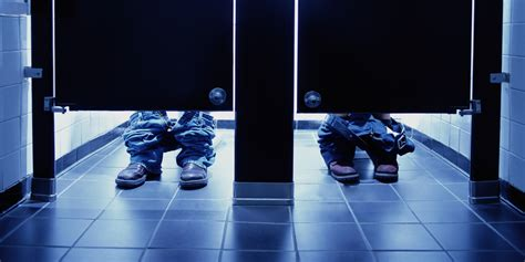 feet under bathroom stall 40 percent of young adults use social media while in the