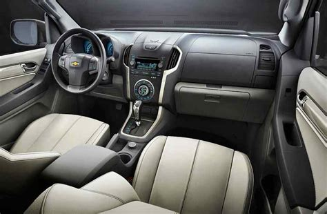 Trailblazer Interior by 2015 Chevrolet Trailblazer Review Prices Specs