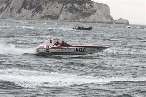 offshore race boats for sale uk offshore powerboat racing 171 findaboat co uk new and used