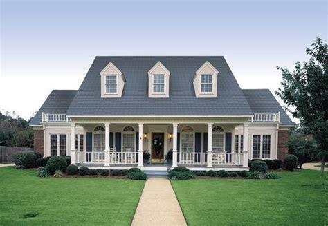 southern home plans with dormers southern style home plans dom z werandą klasyka ponad wszystko