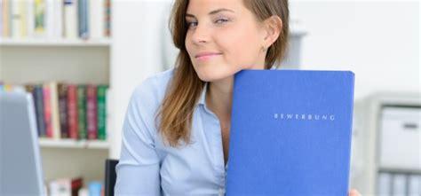 Bewerbungsunterlagen Juristen 7 Tipps F 252 R Eine Perfekte Juristen Bewerbungsmappe
