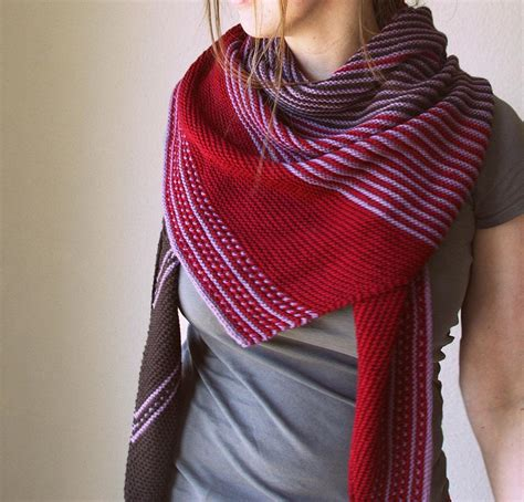 knit shawls choosing the best yarn for your shawl knitting project