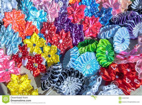 stock fiori artificiali fiori artificiali fatti fondo di struttura tessuto