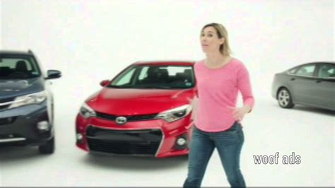 lady on autonation add toyota commercial 2014 featuring blonde woman 4