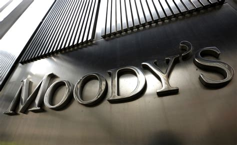 Moody S Formal Credit Moody S Cuts Credit Ratings At Four U S Banks Money And Markets Financial Advice