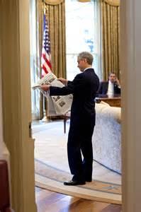 barack obama oval office file rahm emanuel oval office barack obama jpg