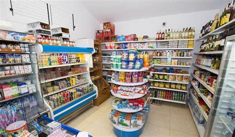 Rak Warung Kelontong cara menawarkan barang dagangan ke toko cara jadi kaya