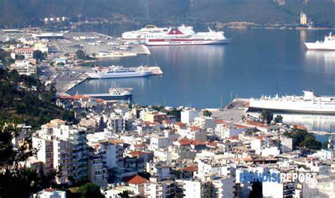 igoumenitsa porto igoumenitsa invasa scende in piazza contro i clandestini