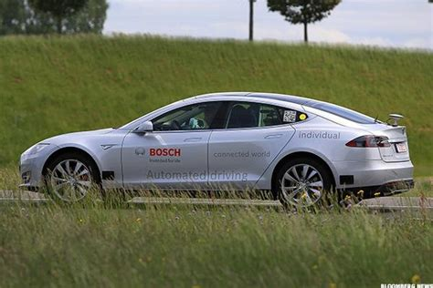 Tesla Goes Tesla S Tsla Cars Can Drive Themselves But You Should
