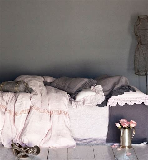 Love Grey Pink And Gold Home House Interiors Pink And Grey Bedroom
