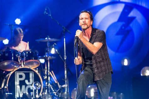 pearl jam announce shows for 2018