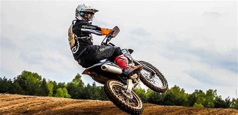 beginner motocross bike the complete beginner s guide to motocross