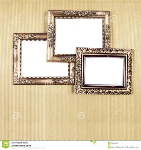 alte bilderrahmen gruppe alte bilderrahmen auf wand stockfoto bild 14522426