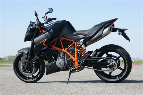 Ktm 990 Duke Review Ktm 990 Duke Hd Wallpapers High Definition