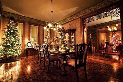 pin  david clark   house christmas dining room