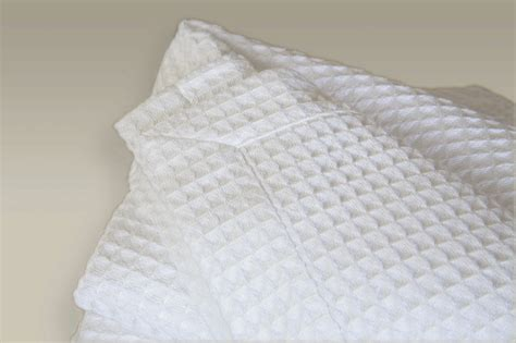 White Hotel Bedding White Egyptian Cotton Waffle Blankets