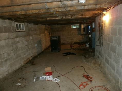 crawl space basement concrete crawl space with ledge floor