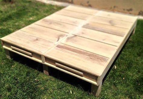 pallet bed platform wood pallet twin bed frame 101 pallets
