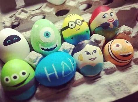 huevos decorados de emojis disney easter eggs easter pinterest huevo huevos