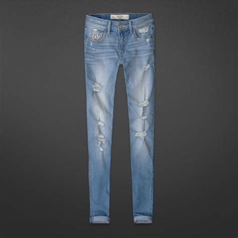 hollister ripped jegging light wash and shorts
