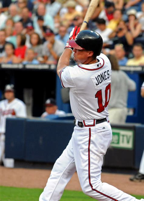 chipper jones swing defense costs braves game lead cut to one