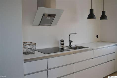 ikea keukens nodsta 17 b 228 sta bilder om ikea voxtorp white p 229 pinterest mat