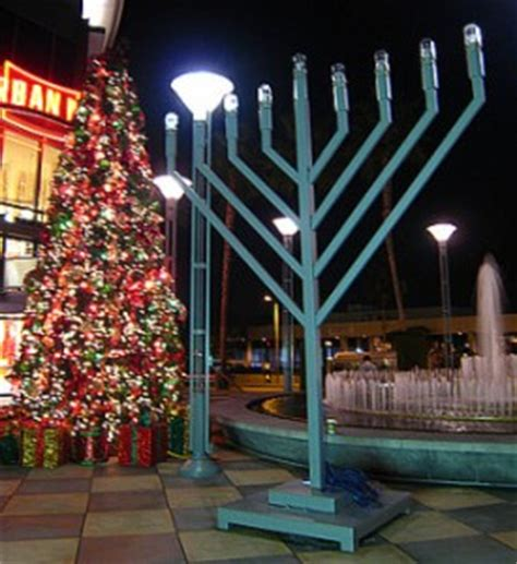 christmas lights in the san fernando valley this week tree and menorah lighting celebrations in the san fernando valley my