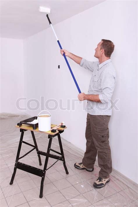 decke rollen malerei decke mit rollen stockfoto colourbox