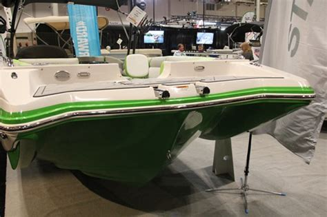 starcraft deck boats reviews 2018 starcraft 211 scx surf deck boat boat review