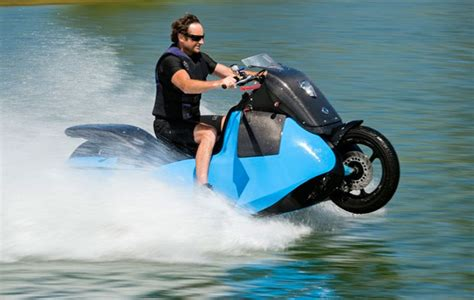 motor boat vs jet ski video gibbs hibians launches new jetski motorbike