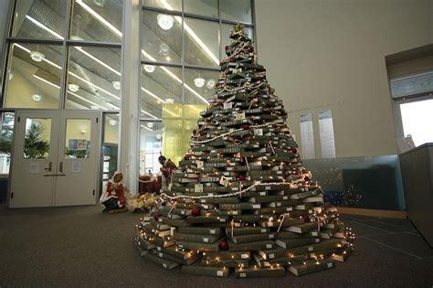 membuat pohon natal murah pohon natal unik dari barang bekas murah jurnal lamudi