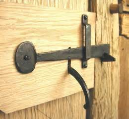 barn door latch types 1000 images about portas on iron gates doors