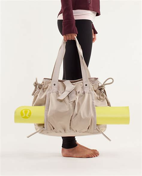 yoga duffle bag pattern yoga tote sewing discussion topic patternreview com